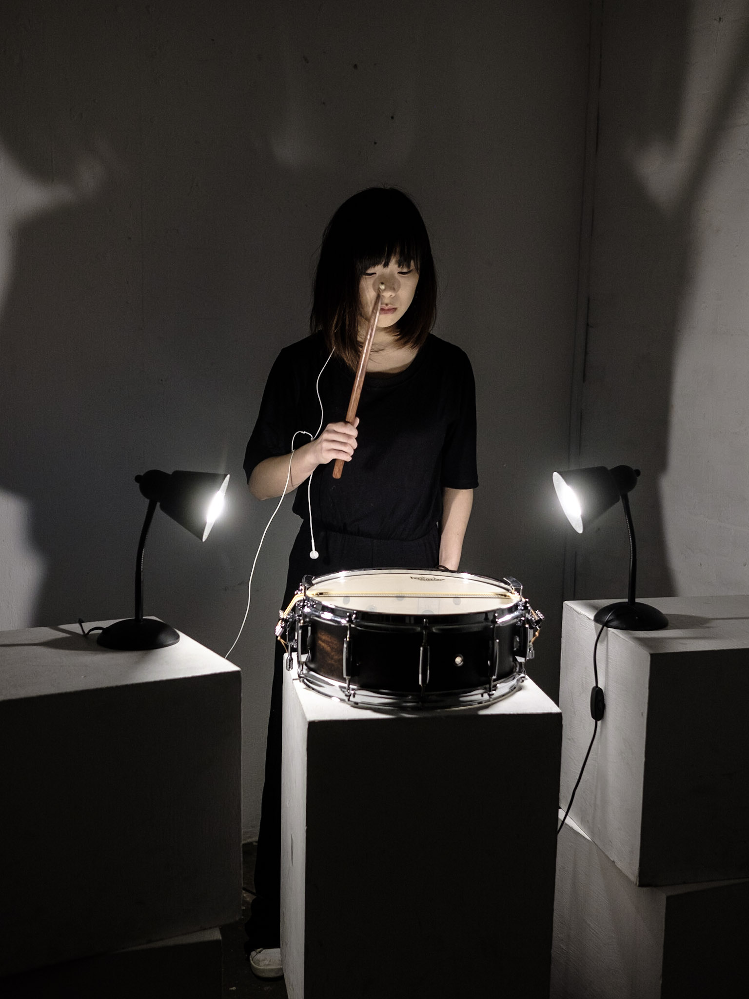 Picture of percussionist Angela Wai-Nok Hui by Dimitri Djuric